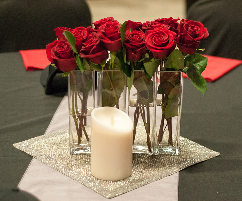 Having centerpieces that you can give to guests as parting gifts at the end of the evening!