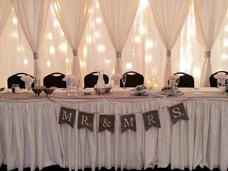 Maggie&Andy_HeadTable1_web