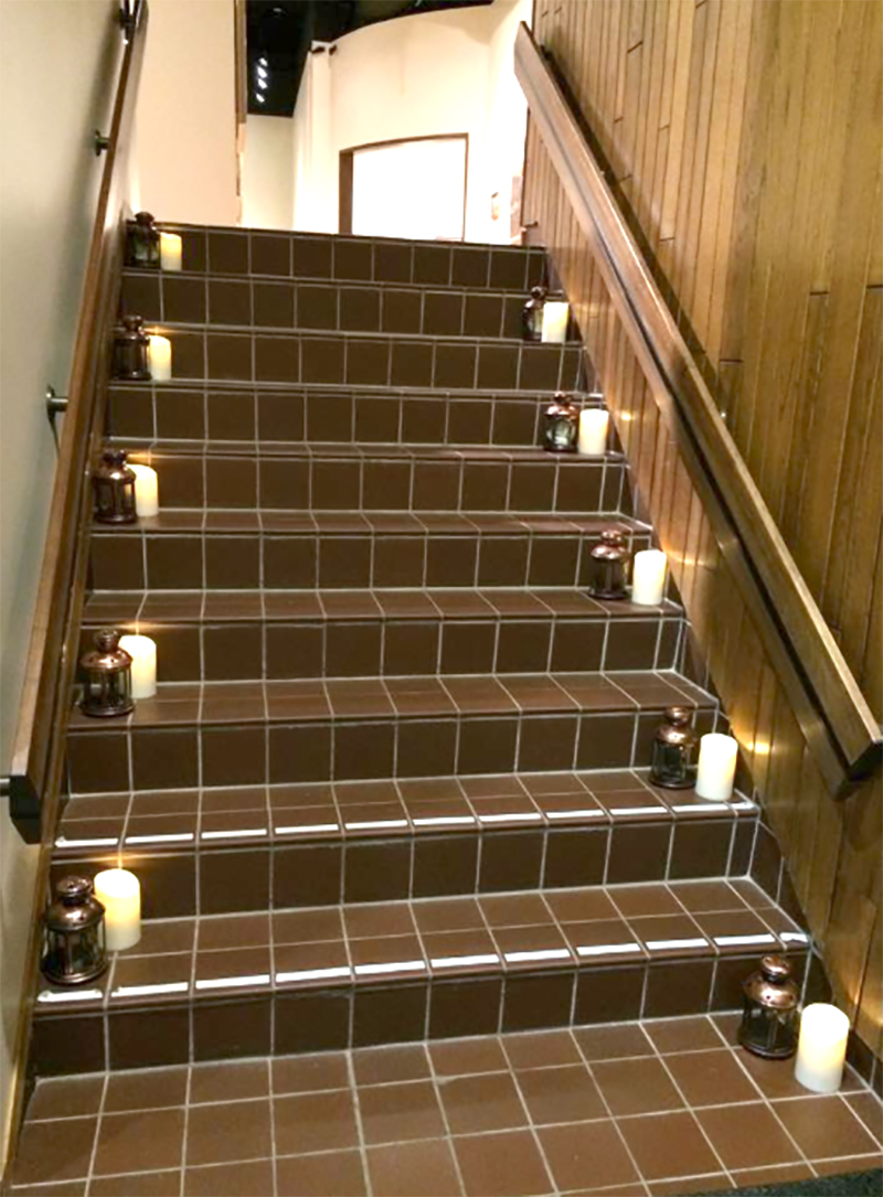 GatsbyOnTheGreen2015_Staircase_web