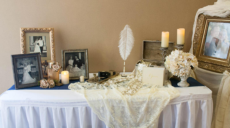 Brittany&Kyle_GuestbookTable1_web