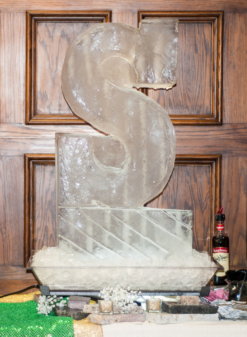 Betsy&Jason_IceSculpture_web
