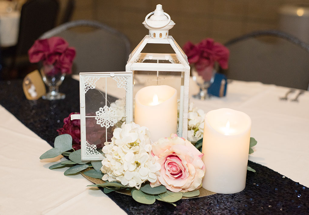 Decorating Your Wedding With Navy And Burgundy Country Style Vs